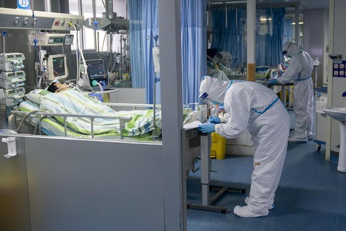 Lotta a coronavirus e Covid-19 in reparto di terapia intensiva