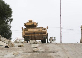 Tank per le strade di Idlib in Siria