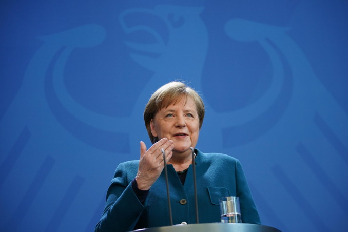 Angela Merkel in conferenza stampa durante l'emergenza coronavirus