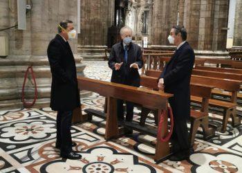 Beppe Sala e Attilio Fontana con Renato Saccone nel Duomo di Milano