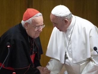 Il presidente della Cei cardinale Gualtiero Bassetti con papa Francesco