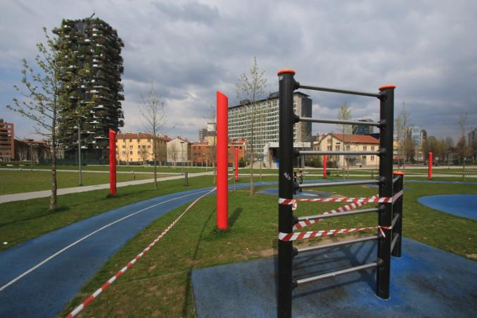Scorcio di Milano chiusa per emergenza coronavirus