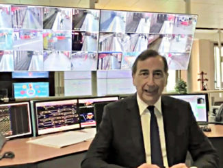 Beppe Sala nella centrale operativa della Atm