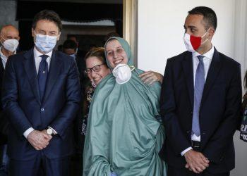 Giuseppe Conte e Luigi Di Maio a Ciampino per la liberazione di Silvia Romano