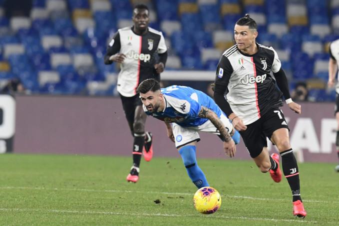Cristiano Ronaldo in azione durante una partita Juventus-Napoli