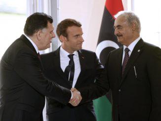 francia macron libia haftar