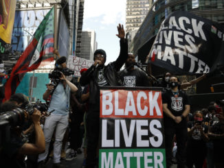 Proteste di Black Lives Matter a New York dopo l'uccisione di George Floyd