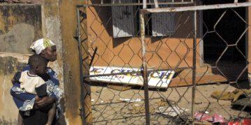 Le rovine di una chiesa data alle fiamme nel 2002 in Nigeria