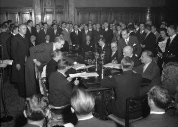 Roma 1948. Firma del Piano Marshall a Palazzo Chigi