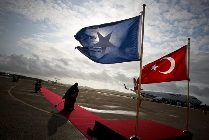 Bandiere della Somalia e della Turchia