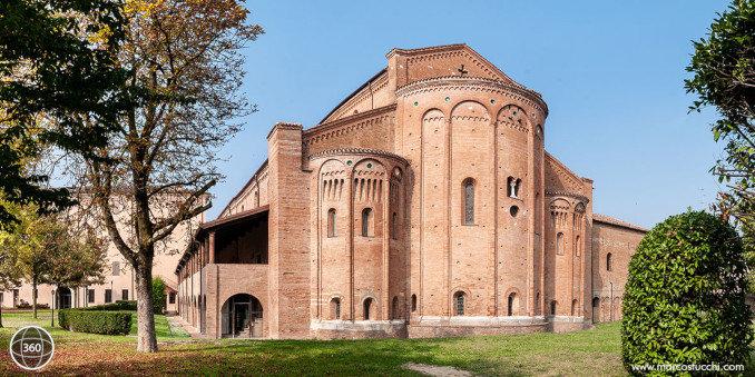 L'esterno dell'Abbazia di Nonantola, foto dal tour virtuale
