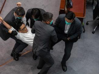 hong kong parlamento cina