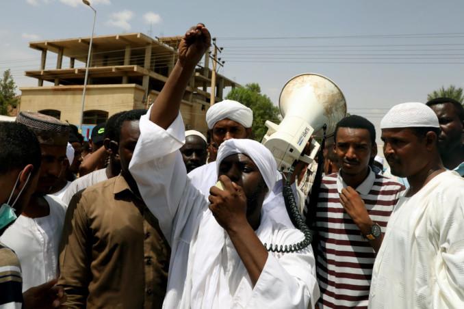 Protesta islamista contro le riforme in Sudan delle leggi ispirate alla sharia