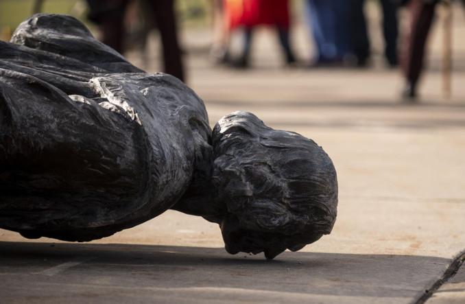 Statua di Cristoforo Colombo abbattuta negli Stati Uniti