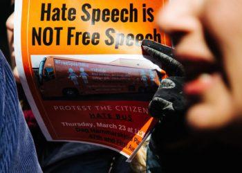 Manifesto contro la libertà di espressione, accostata a hate speech