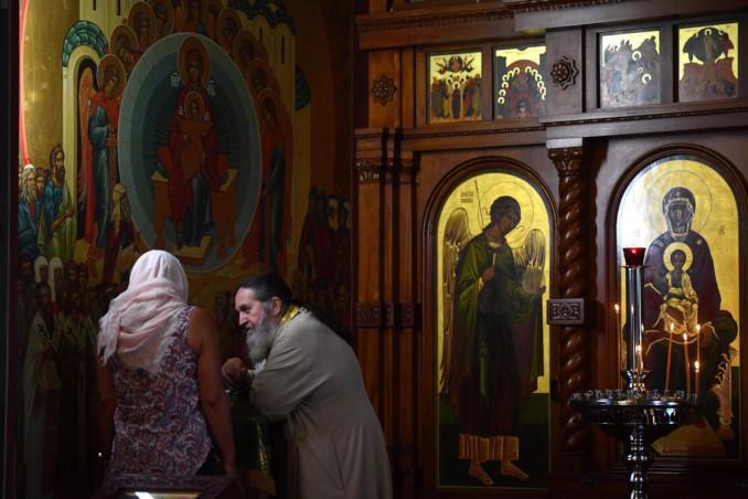 Confessione in una chiesa ortodossa a Sydney, Australia