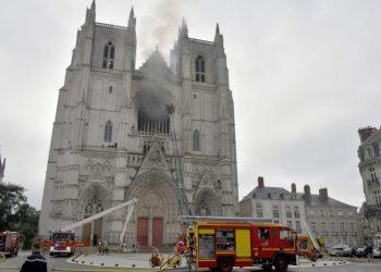 Il rogo nella cattedrale di Nantes
