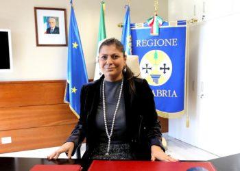 Jole Santelli nel suo ufficio in Regione Calabria