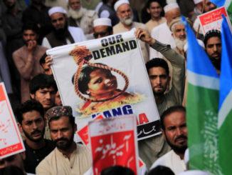Proteste in Pakistan per l'assoluzione di Asia Bibi