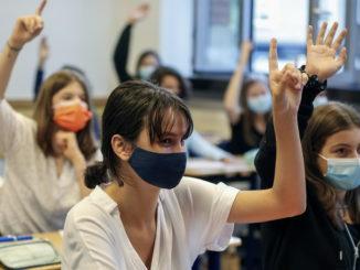 scuola liceo mascherina
