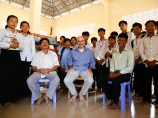 Padre Alberto Caccaro del Pime in missione in Cambogia