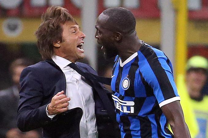 Esultanza di Antonio Conte e Romelu Lukaku
