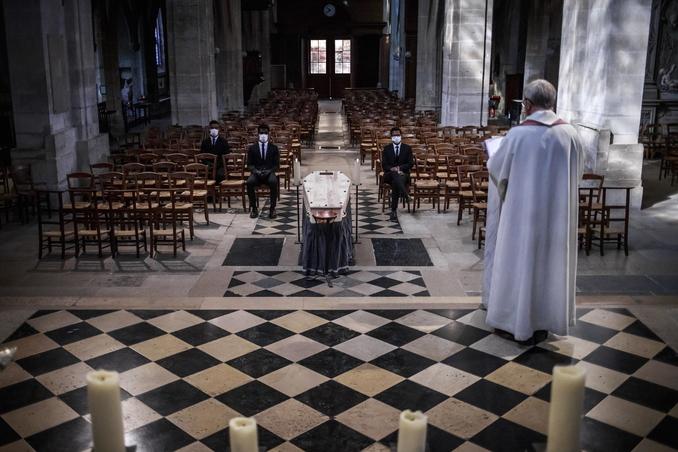 francia chiesa covid