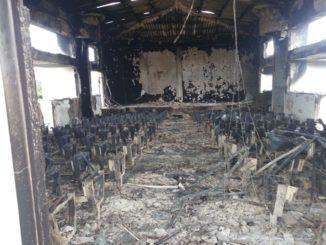 mozambico chiesa bruciata
