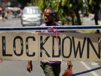 Un cartello che avverte del lockdown contro il coronavirus nelle Filippine