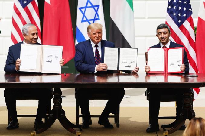 Trump alla firma degli Accordi di Abramo con Israele e Emirati Arabi Uniti