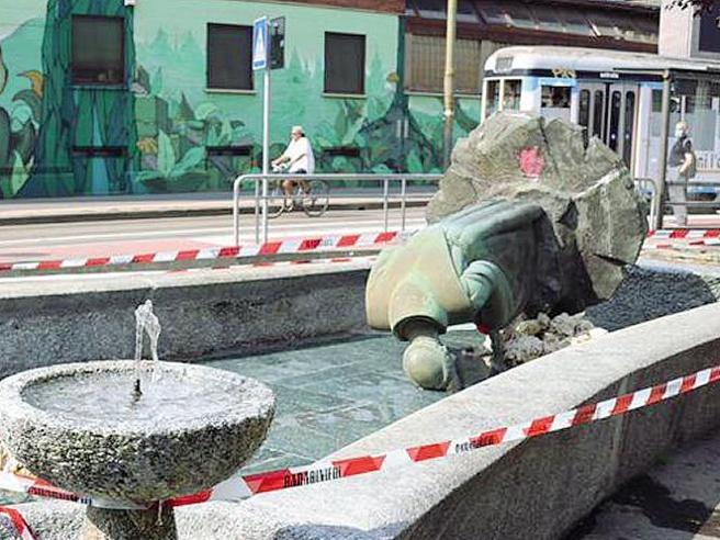 statua sant'antonio via farini milano