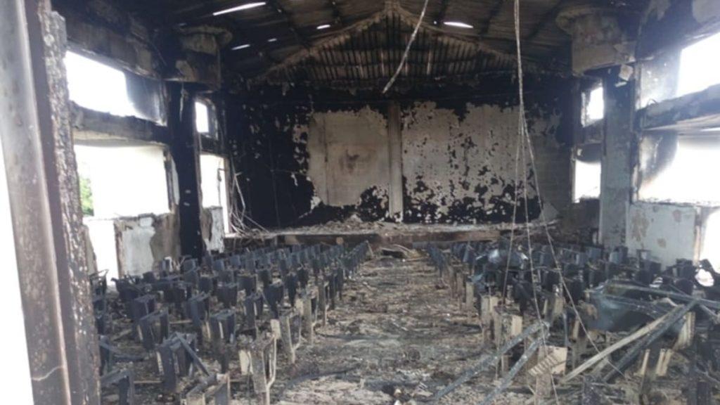 mozambico chiesa bruciata terrorismo islamico