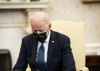 Il presidente americano Joe Biden durante un incontro nello Studio Ovale della Casa Bianca negli Stati Uniti
