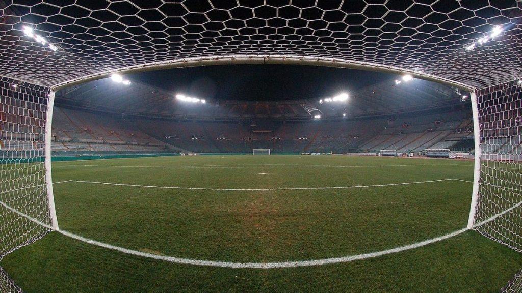 Stadio di calcio vuoto