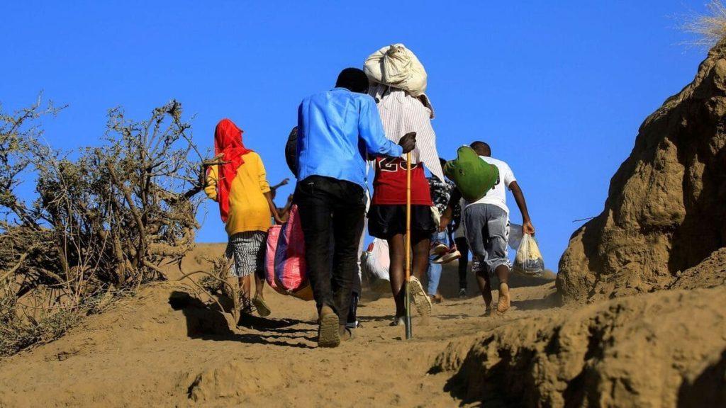 Civili in Etiopia in fuga dalla guerra nella regione del Tigrai