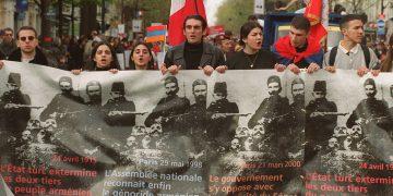 genocidio armeno, manifestazione a Parigi per il riconoscimento