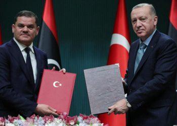 Il premier della Libia, Dbeibah, e il presidente della Turchia, Erdogan, firmano un'intesa ad Ankara
