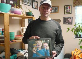 Canada, Robert Hoogland è stato arrestato per essersi opposto alla transizione di genere avviata dai medici senza il suo consenso sulla figlia minorenne