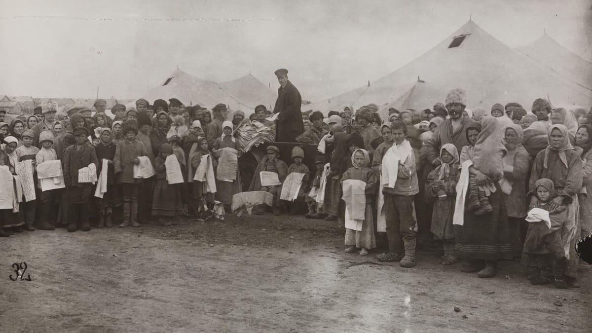 Un'immagine della carestia degli anni Venti in Unione Sovietica
