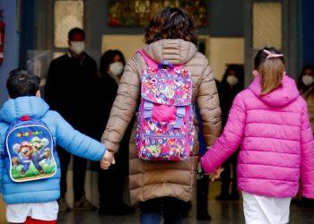 Dopo lo stop, i bambini a Napoli ritornano a scuola
