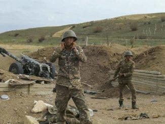 Soldati armeni dell'esercito durante la guerra con l'Azerbaigian nel Nagorno Karabakh