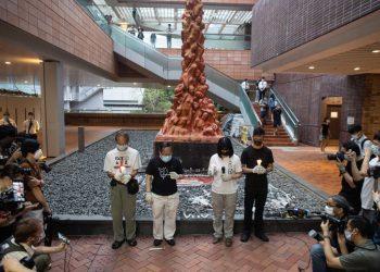 Cerimonia alla Colonna della vergogna all'Università di Hong Kong