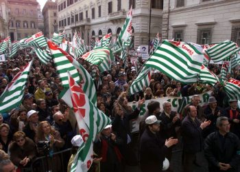 Manifestazione del sindacato Cisl in piazza