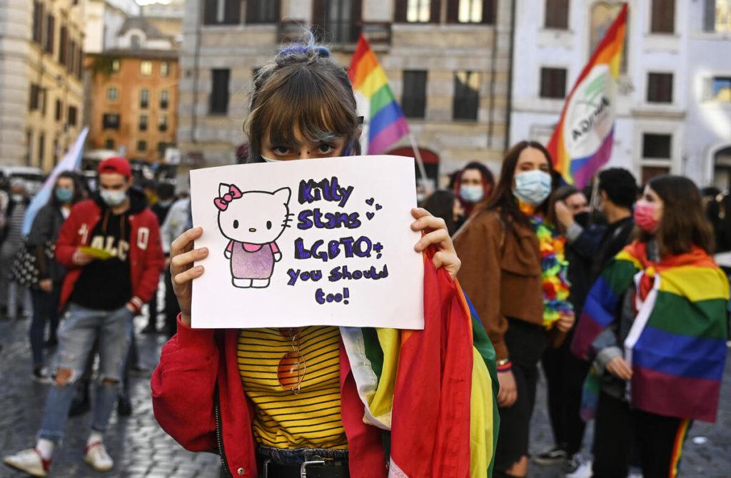 Omofobia, manifestazione a Roma a favore del ddl Zan