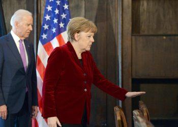 Il presidente americano Joe Biden con il cancelliere tedesco Angela Merkel