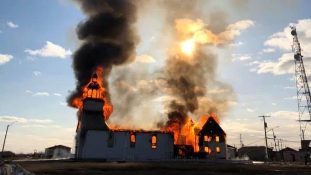 Chiesa bruciata in Canada