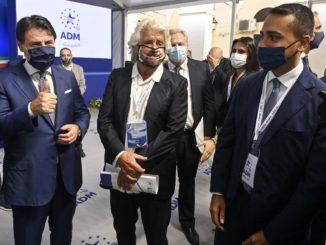 Giuseppe Conte con Beppe Grillo e Luigi Di Maio