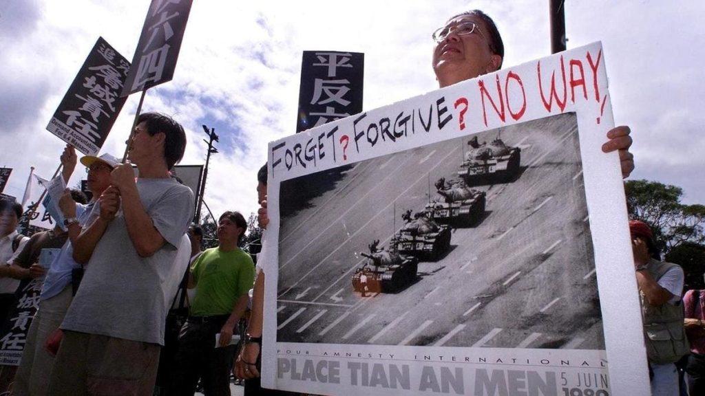Manifestazione a Hong Kong per ricordare la strage di Piazza Tienanmen del 4 giugno 1989