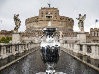 La coppa degli Europei 2020 in mostra a Roma