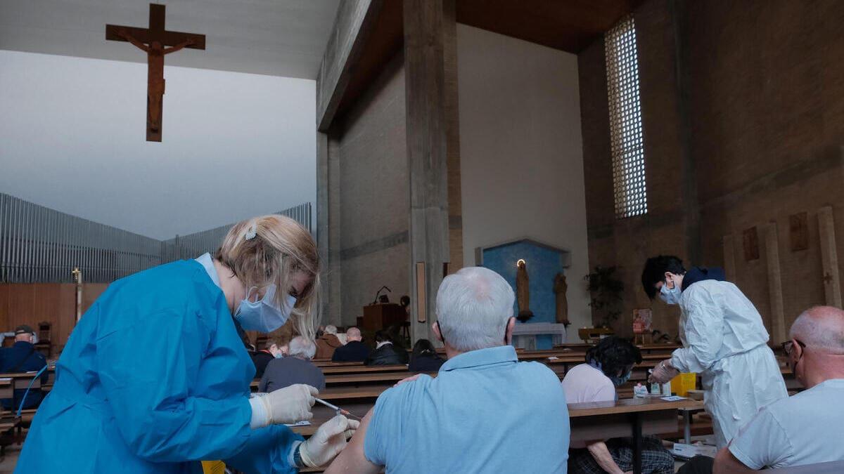Vaccini anti Covid nella chiesa di San Paolo a Padova